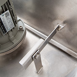 Lid opener, stainless steel mixing tank, agitator